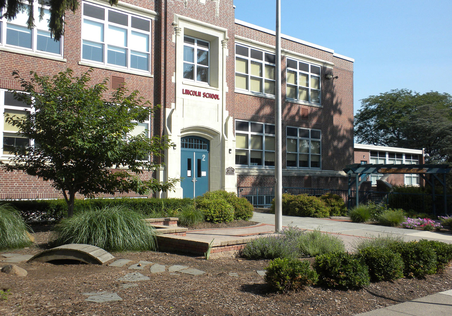 Lincoln Elementary School Building