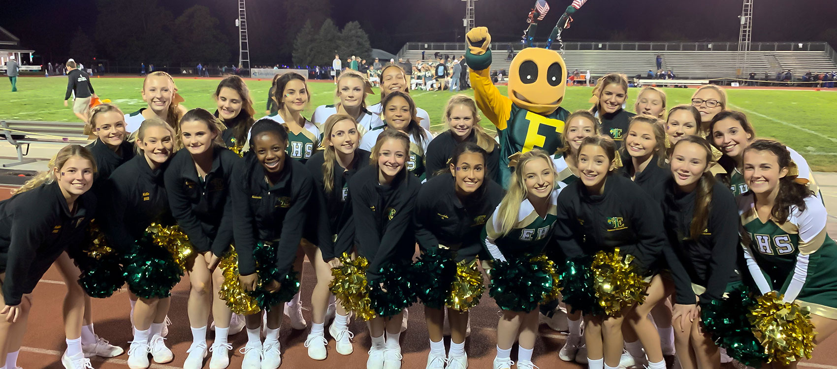EHS cheearleaders and mascot